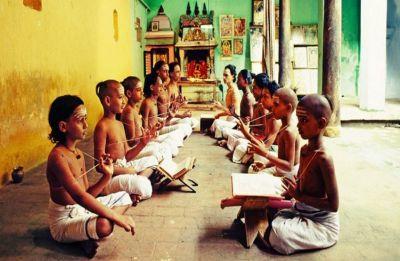 After three-language formula, govt stresses on importance of Sanskrit-speaking villages