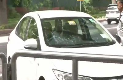 Congress leaders rally at Sonia Gandhi's residence for key meet to discuss strategy for Budget Session