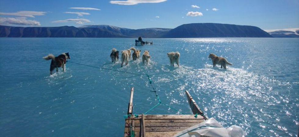 Greenland ice melting (Photo Credit: Twitter)