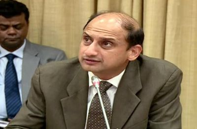 Viral Acharya, RBI's deputy governor, quits six months before his term ends