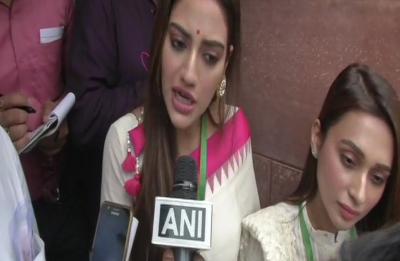 'Don't push': Nusrat Jahan loses cool as media persons mob her, Mimi Chakraborty