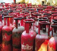 Non-subsidised LPG price cut by Rs 100 per cylinder across India, to be implemented from today