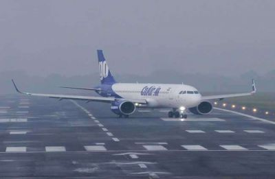 Heavy rainfall affects normal life in Mumbai, flight operations shut at city airport