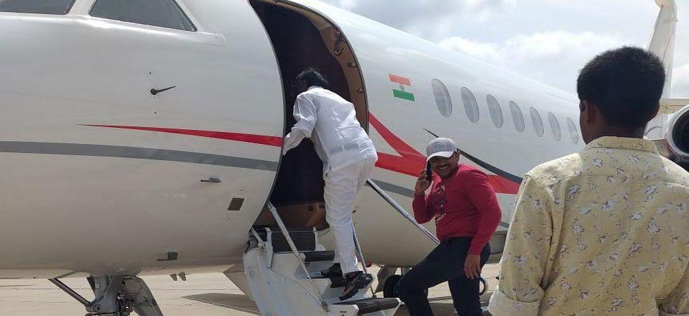 Earlier, rebel MTB Nagaraj met DK Shivakumar and former chief minister Siddaramaiah.