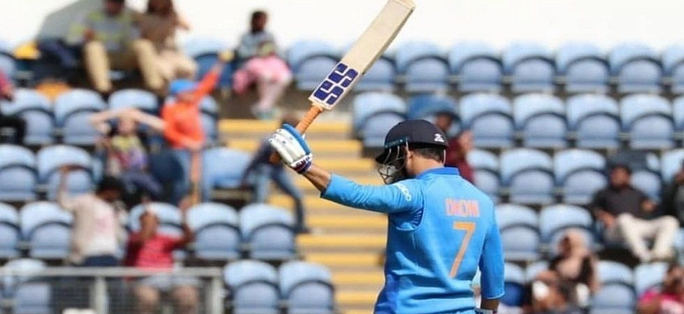 MS Dhoni scored fifty against New Zealand in semi-final (Image Credit: Twitter)