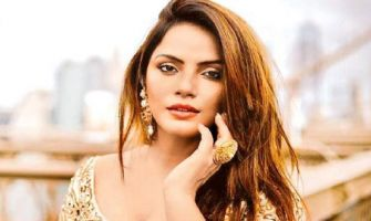 Neetu Chandra plays NBA Celebrity Charity Challenge, Snoop Dogg and Floyd Mayweather also present