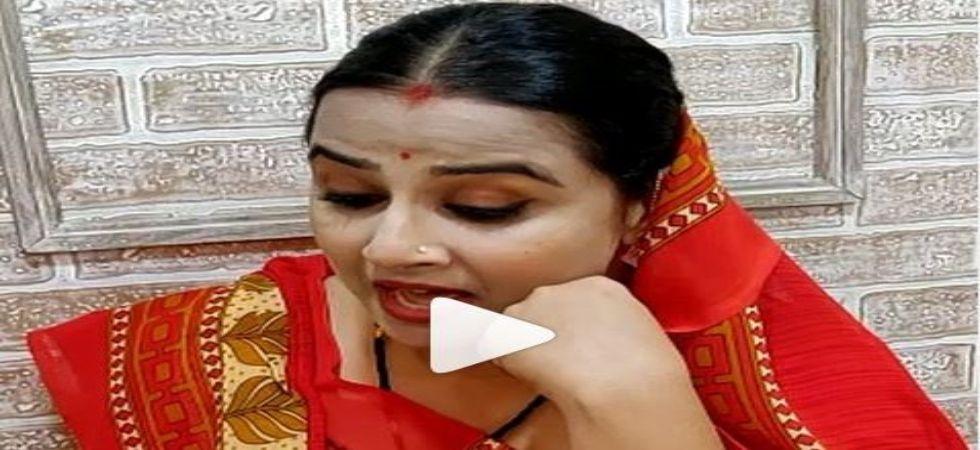 Vidya Balan's expressions are unmissable as she gives away 'Shastron Ka Gya'