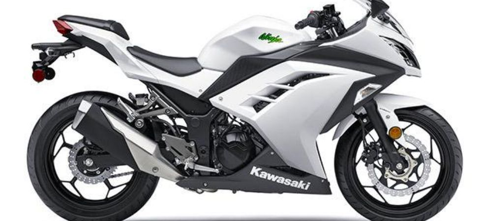 Kawasaki Ninja 300 ABS (Photo Credit: Twitter)