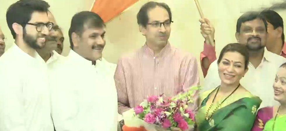 Sachin Ahir was welcomed into the Sena by party president Uddhav Thackeray and Yuva Sena chief Aaditya Thackeray. (Image Credit: ANI))