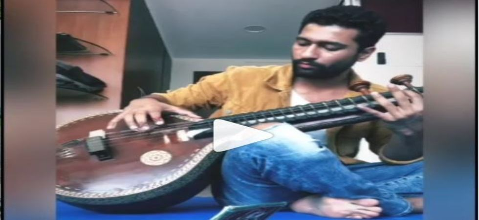 Vicky Kaushal turns sitar maestro to celebrate four years of Masaan