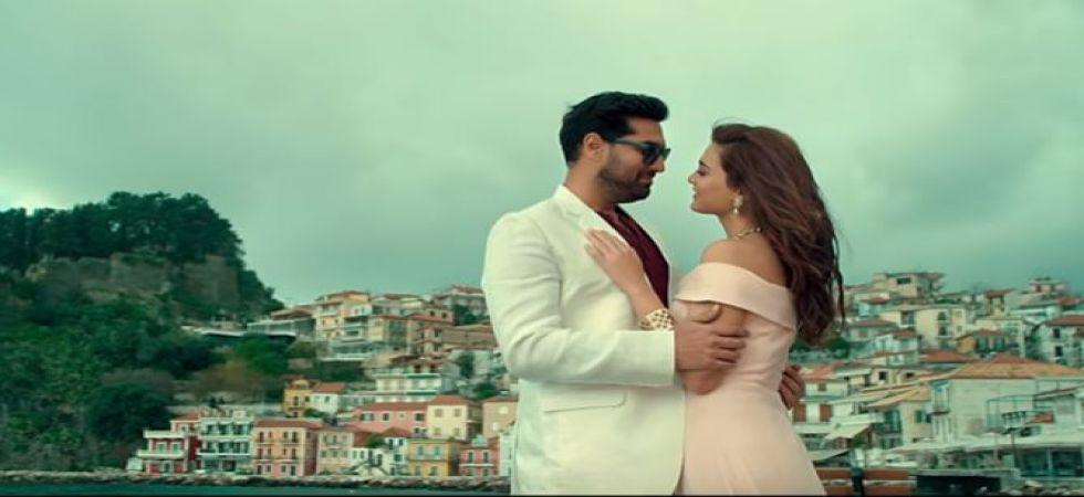 Kunaal Roy Kapur to romance Sanjay Dutt's niece Nazia Hussain