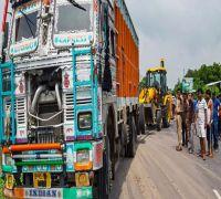 Unnao Case: Sensational twist on blackened number plate puts truck owner in dock