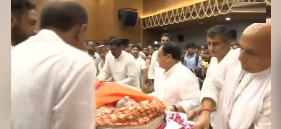 Rajnath Singh and others lend shoulder to mortal remains of Sushma Swaraj
