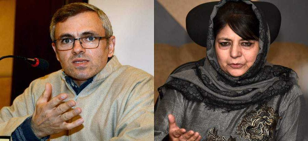 Former Jammu and Kashmir chief ministers Omar Abdullah and Mehbooba Mufti. (PTI file)
