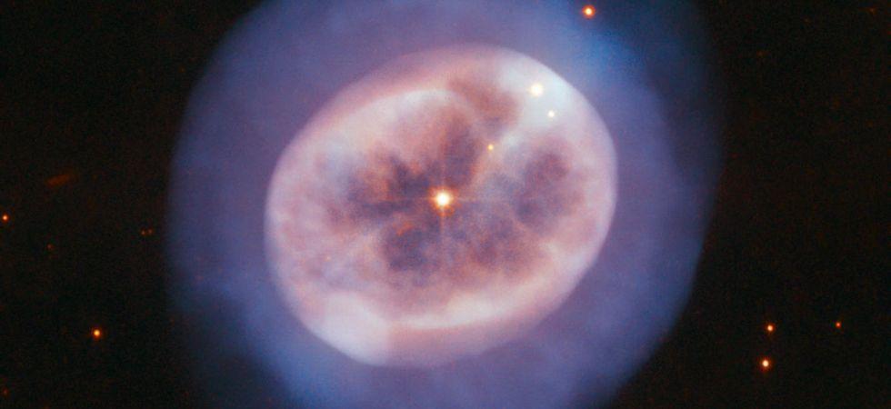 Ageing Star (Photo credit: ESA/Hubble & NASA, R. Wade)