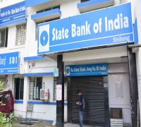 State Bank of India extends credit period to help stressed auto dealers