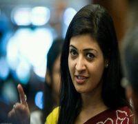 Rebel AAP MLA Alka Lamba marshalled out of Delhi Assembly