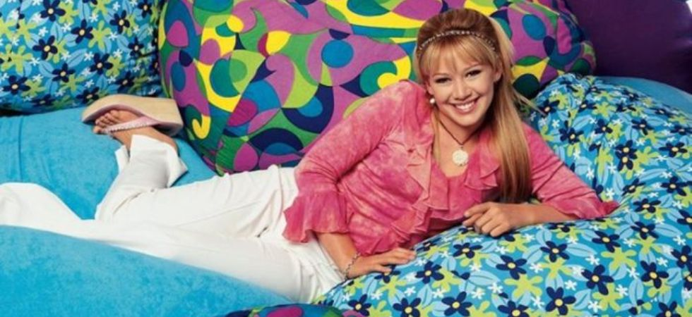 Hilary Duff returns as Lizzie McGuire.