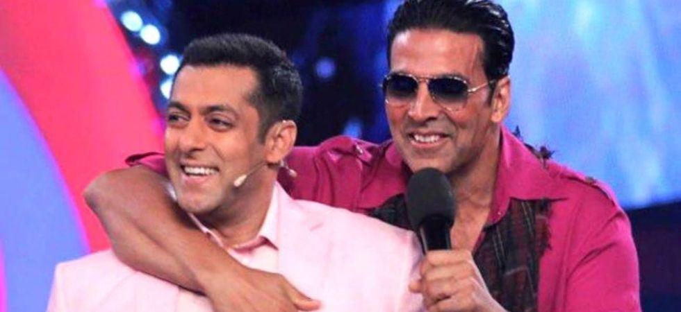 Salman Khan and Akshay kumar ina still from Bigg Boss (Pic Courtesy: Colours)
