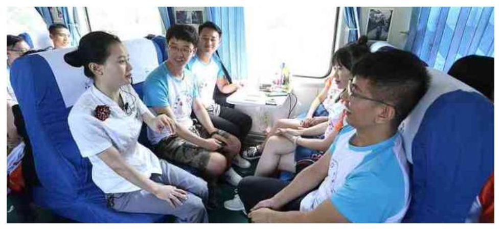 China Sends 1000 Singles on love train (Photo: Twitter)