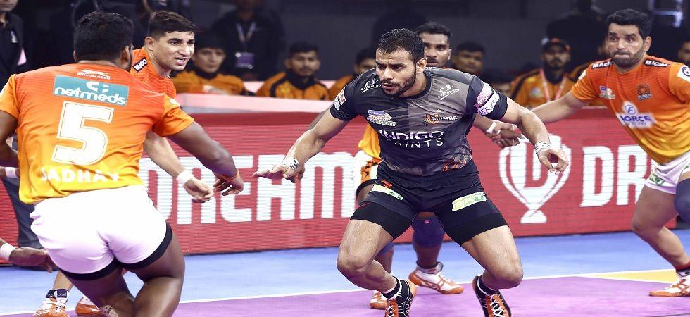 Abhishek Singh clinched a Super 10 (11 raid points) for U Mumba. (Photo: Twitter/@ProKabaddi)