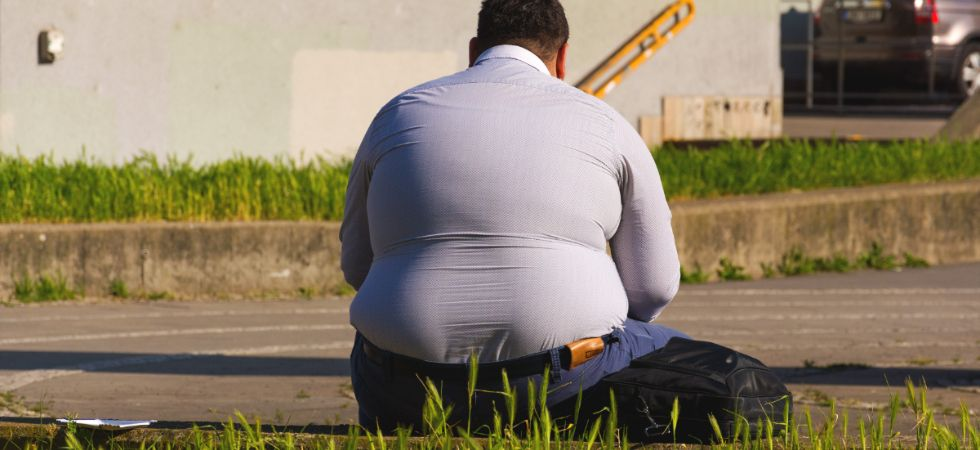 Scientists discover reason behind people gaining weight as they get older (Photo Credit: LibreShot)