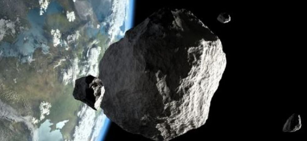 Will space rocks 2000 QW7, 2010 CO1 hit Earth?