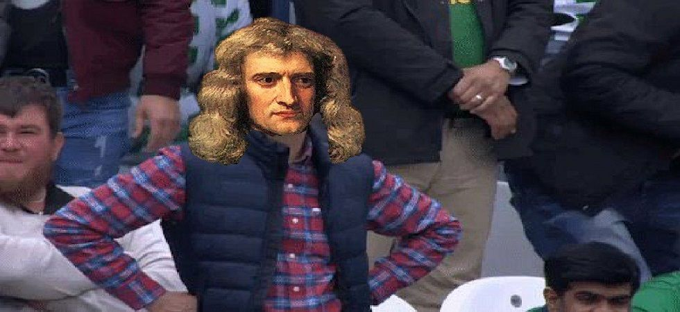 Twitter users quickly pointed out that it was Newton who discovered gravity. (PC: Tweeted by @amansah_asr79)