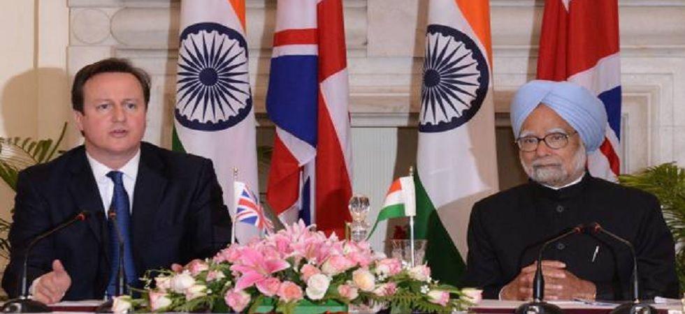 Former British Prime Minister David Cameron and Manmohan Singh (Photo: File/PIB)