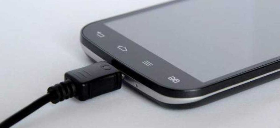 THIS New Battery design Can Double The Capacity Of Smartphones (Photo Credit: PTI)
