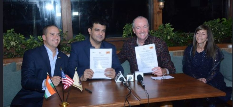 Producers Guild Signs MoU With New Jersey To Support Bollywood Film Production (Pic courtesy: Twitter)