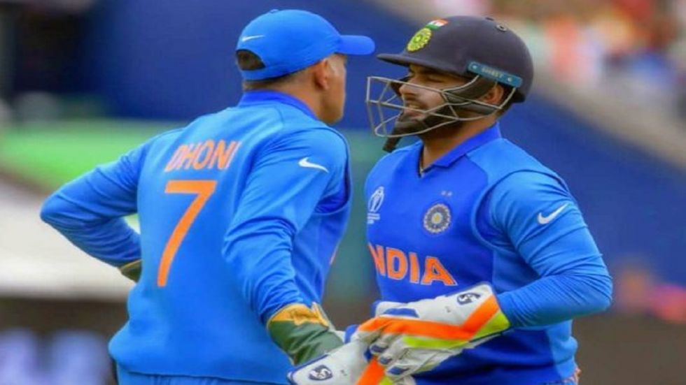 MS Dhoni cannot pick and choose series for India while the attention on Rishabh Pant is too much, reckons Gautam Gambhir. (Image credit: Twitter)
