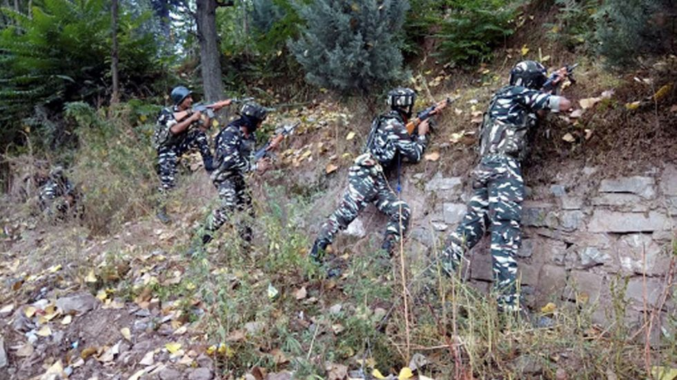 This is the second consecutive day of ceasefire violation in the Poonch district.