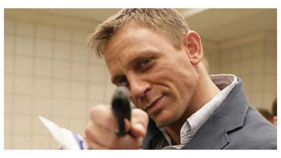 'Drunk' Daniel Craig Thanks 007 Crew (Photo: Twitter)