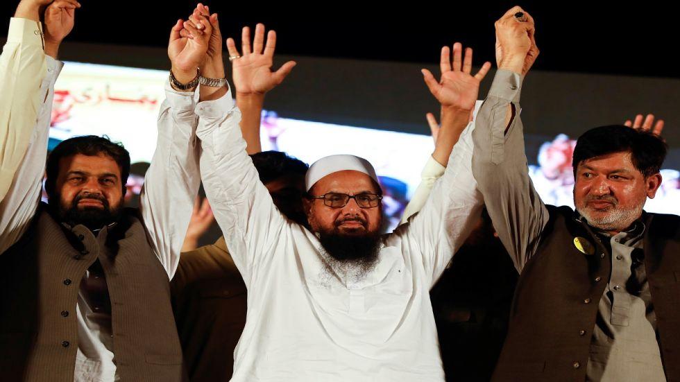 Hafiz Muhammad Saeed (centre), chief of Jamaat-ud-Dawa (JuD).