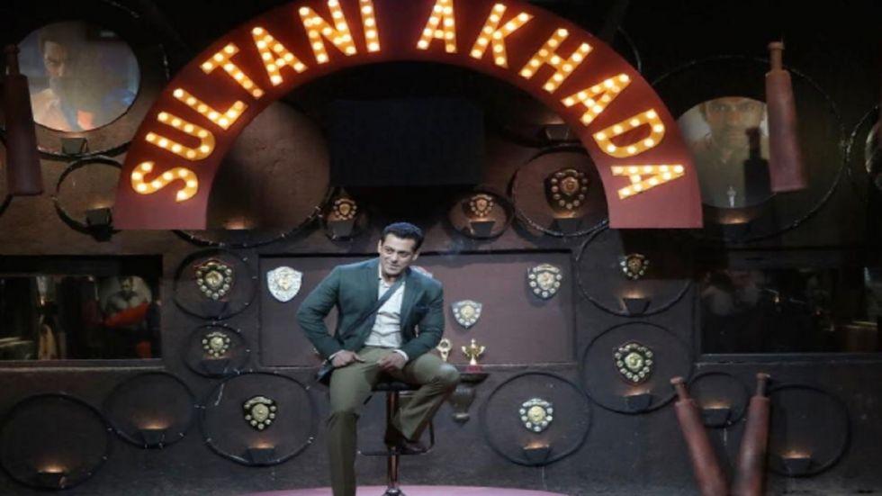 Bigg Boss 13, Weekend Ka Vaar LIVE: Is Shehnaaz Gill Trying to Impress Salman With Her Cuteness?