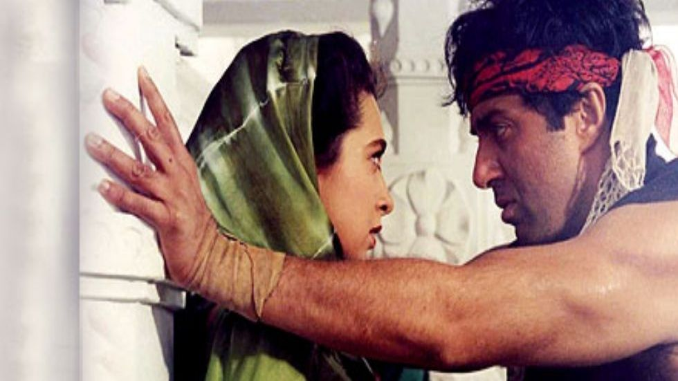 Sunny Deol, Karisma Kapoor Acquitted In Pulling Chain In Train Case