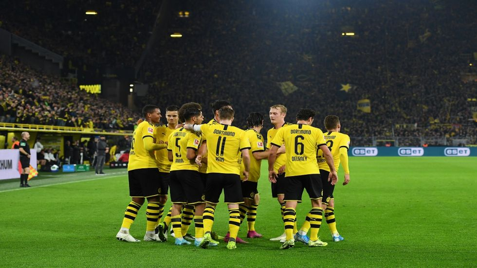 Borussia Dortmund are now joint fourth but they have beaten table toppers Borussia Moenchengladbach in the Bundesliga.
