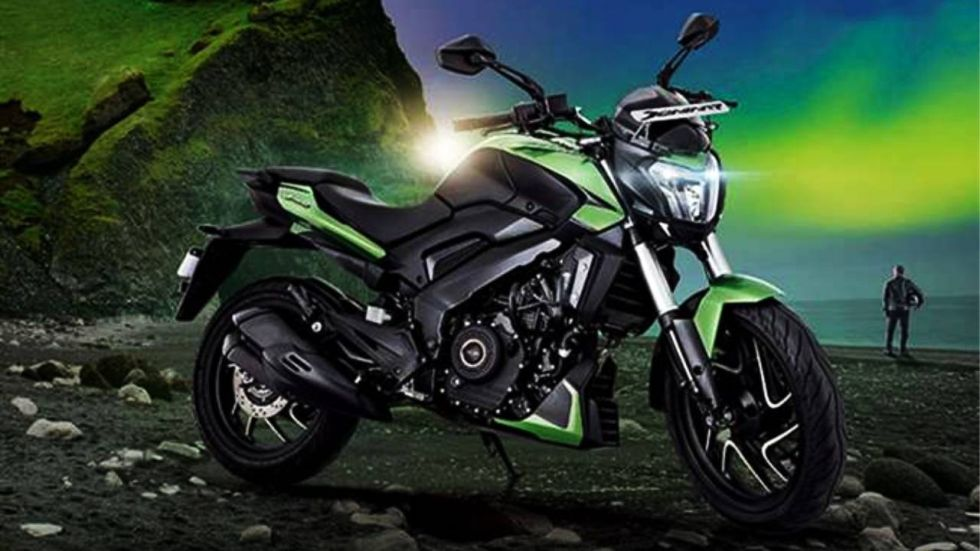 Bajaj Dominar 400 is being offered with full benefits up to Rs 7,200