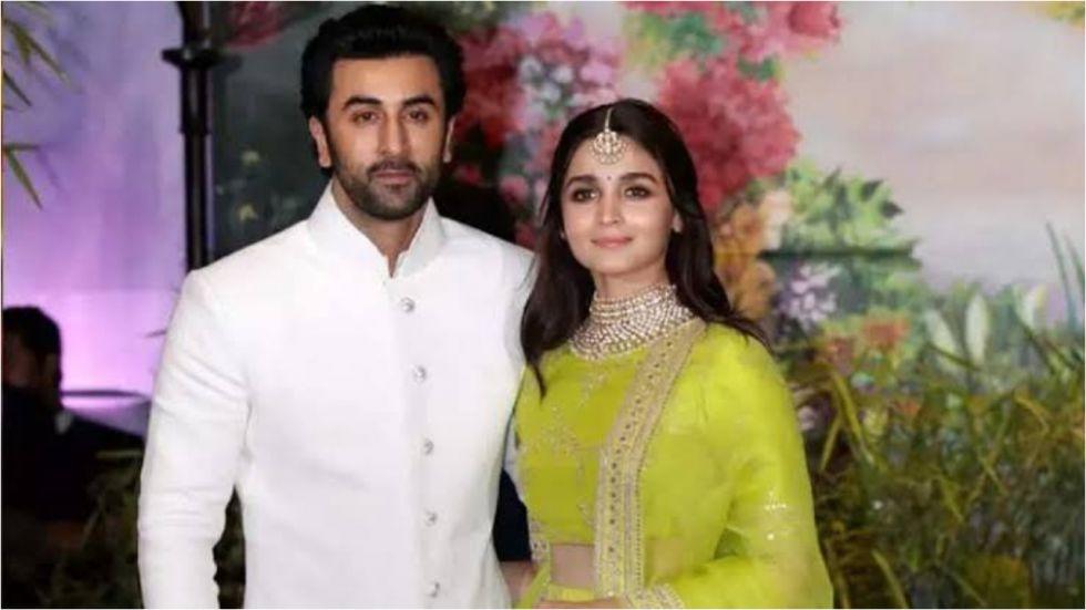 Alia-Ranbir's Wedding Invitation Takes Internet By Storm.