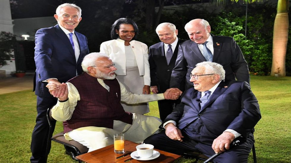 Prime Minister Narendra Modi meets members of JP Morgan's International Council.