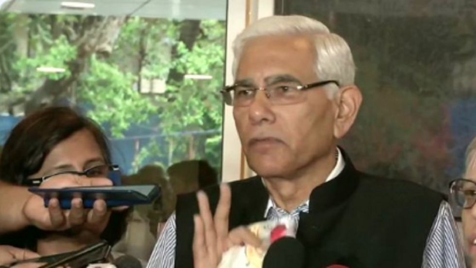 Vinod Rai has regretted that Anil Kumble's contract as India cricket team coach did not have an extension clause.