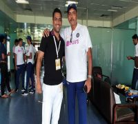 Half The Guys Commenting On MS Dhoni Can't Even Tie Their Shoelaces: Ravi Shastri