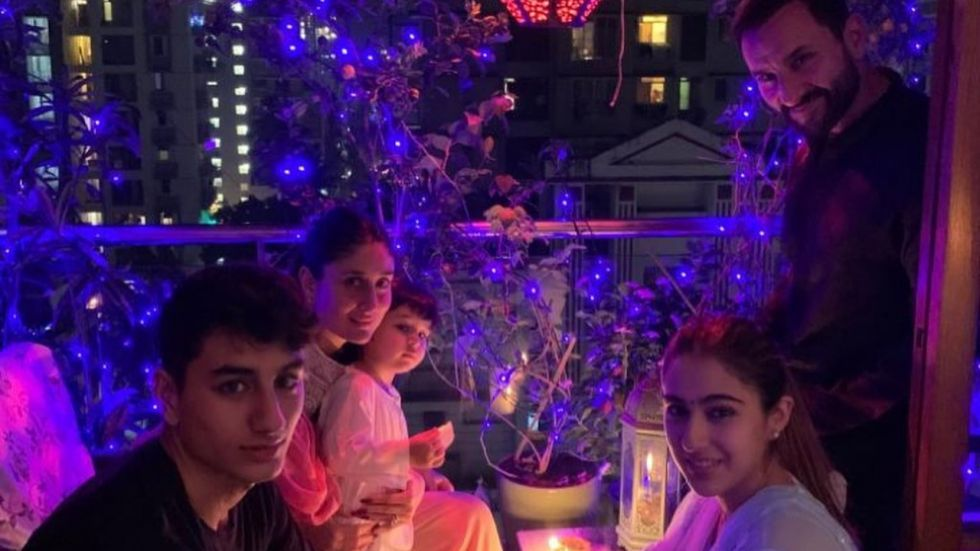 Sara Ali Khan Re-Unites With Ibrahim And Taimur To Kickstart Diwali