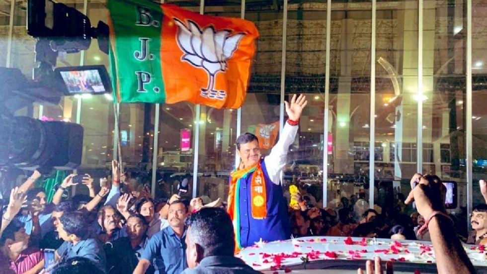 Amid BJP-Shiva Sena tussle, Devendra Fadnavis to meet Maharashtra Governor today, to stake claim to form govt: Sources