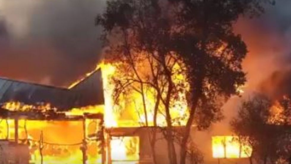 In a bid to reduce the risk of fire, California's largest utility, Pacific Gas & Electric Co, said it expected to turn off power to nearly one million customers .