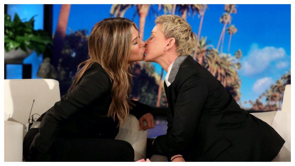 Jennifer Aniston Kisses Ellen DeGeneres On Ellen Show