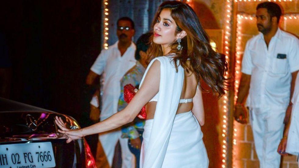 Janhvi Kapoor's White Saree Look Is Simple Yet Elegant!