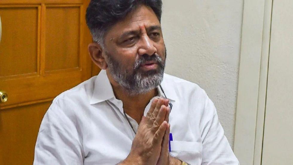 Shivakumar insisted that holding flag was not a big deal as he has been 'a born Congressman'.