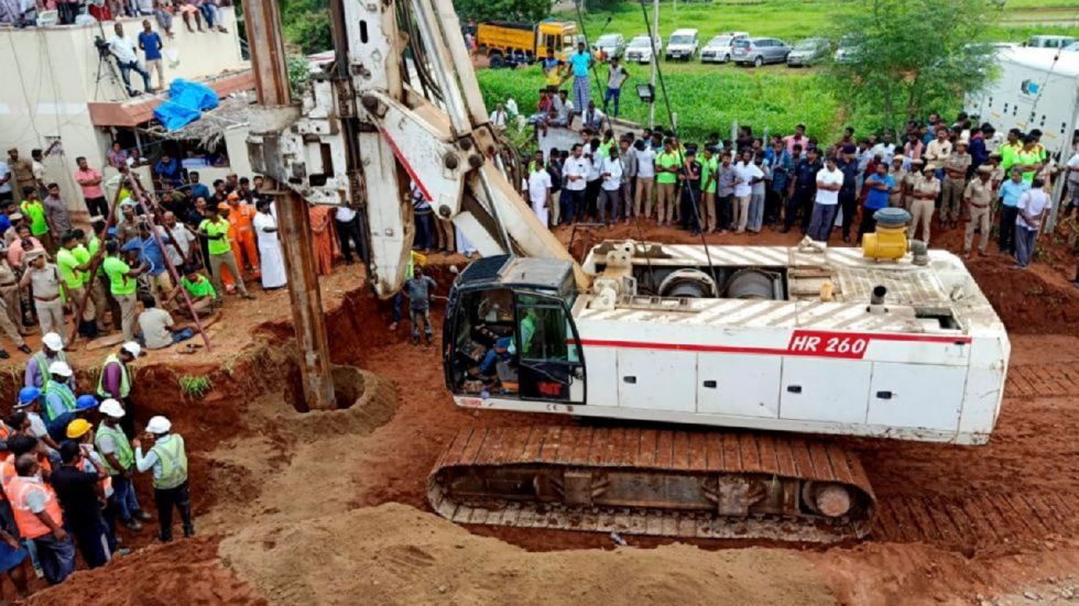 The three-year-old boy who was stuck in an abandoned borewell near Tiruchirapalli in Tamil Nadu since Friday, is dead.